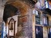 IMG_3004 - IMG_3003 -  palermo - vicolo  mesquita - quartiere ebraico (molovate) Tags: quartiere ebraico palermo canon digital ixus 980 is tafme volate calderai centro storico molovate maqueda arcivescovo centrostorico edicola cattolica fiuredda santino tabella lingua caratteri scrittura