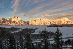 Snake River Glow (kevin-palmer) Tags: grandtetonnationalpark wyoming winter december snow snowy early morning sunrise grandteton teton mountains snakeriver water flowing snakeriveroverlook sunlight gold golden nikond750 tamron2470mmf28 nationalpark