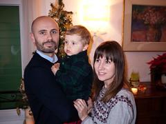Famille (Dahrth) Tags: gf1 gf120 lumixgf1 panasoniclumixgf1 20mmpancake boy kid familyphoto family famille christmastree arbredenoël sapindenoël
