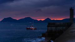 Saliendo del puerto (Carpetovetón) Tags: amanecer puerto castrourdiales mar marcantábrico sunrise barcos pesquero costa cantábrico rompeolas nikond610 tamron2875 cantabria españa