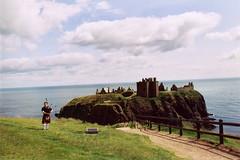Dunnotar Castle (Diana K) Tags: castle scotland bagpiper dunnotar