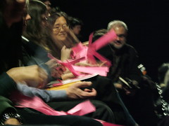 audience makes paper manifolds (ranjit) Tags: newyork nyc thekitchen cabinetmagazine instituteforfiguring crochet hyperbolicmanifolds differentialgeometry yarn mathematics davidhenderson dainataimina math