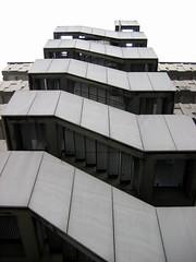 hhtreppe2 (texla) Tags: stairway treppe hamburg grau grey gebäude building