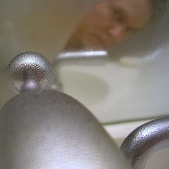 Reflter Moi (O Caritas) Tags: 2005 portrait people selfportrait canada me self mirrorproject montral quebec montreal qubec faucet february pointshoot moisture ocaritas nikoncoolpix3200 myreflection myfirstdigitalcamera