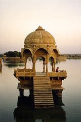 Gadisagar Lake, Jaisalmer (Dey) Tags: india lake architecture creativecommons 1995 jaisalmer rajasthan gadsisar