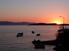 Foca Sunset (RequieM) Tags: türkiye turkey İzmir izmir foca foça günbatımı sunset fok phokaia manzara view flickrfirst