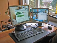 Transparent Screen (kogakure) Tags: 2005 home computer display desk zuhause screen transparent tisch transparentscreen bildschirm transparenterbildschirm