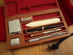 2005 unfound whatsinmybag whatsinyourbag pen pencil extender montblanc magnifier bonefolder sharpener fountain cedar case gadgets gear meme