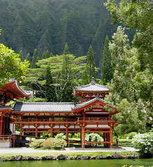 Byodo-In Temple, Oahu (post.ndakota) Tags: green hawaii oahu prayer buddhism temples sacred tropics pagodas byodoin