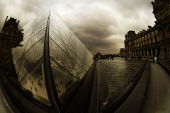 (cameralucida) Tags: paris france top20favorites interestingness triangle bravo louvre fisheye explore portfolio soe peleng musedulouvre cameralucida scoreme46 wwwcameralucidainfo