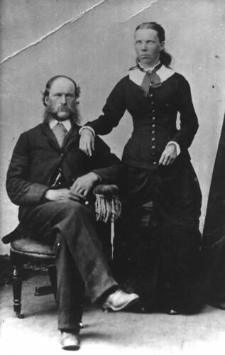 couple, nonchalant pose