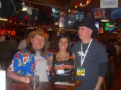 Me, Amy and Paul (cackhanded) Tags: austin texas hooters waitress norm marknormanfrancis cackhanded paulduncan