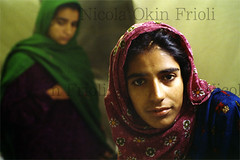Kashmir-17 (Nicola Okin Frioli) Tags: pakistan woman news hospital children photography photo earthquake women san asia foto nicola photojournalism tent donne pakistani kashmir situation caritas bagh medici victims reportage msf ospedale terremoto senza frontiere temblor vittime ospital fotogiornalismo muzaffarabad balakot mansehra sismo okin frioli bambine reportages okinreport wwwokinreportnet soccorsi 5monthsafter thedaysafter nicolaokinfrioli medicisenzafrontiere medicalwithoutborder lifeobserved nicolafrioli