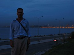 El malecn en la Habana (Panino allo Zozzone) Tags: me night noche nightshot yo havana io malecon habana notte malecn lahavana
