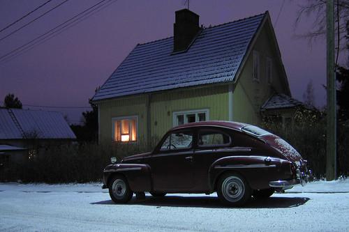 Volvo katulampun alla