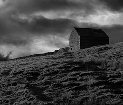 Hut on the Hill (Davoud D.) Tags: yorkshire dales yorkshiredales northyorkshire christmas2005 newyears2005 friends rural b6270 hut hill wensleydale saveme saveme2 saveme3 saveme4 saveme5 saveme6 saveme7 deleteme deleteme2 saveme8 deleteme3 deleteme4 saveme9 saveme10 savedbythedeletemegroup barn