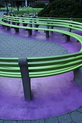 benches (Farl) Tags: nyc usa ny newyork green colors court us snake manhattan gutentag violet s benches trade unprocessed federalplaza internationaltrade