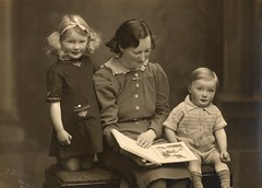 Judy, mother, and Robin (cmrowell) Tags: harte vintage family uk unclerobin mom grannyharte dateestimated 1940 topv111
