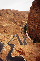The serpent road (Dlirante bestiole [la posie des goupils]) Tags: maroc dads road marocco gorge red summer ochre