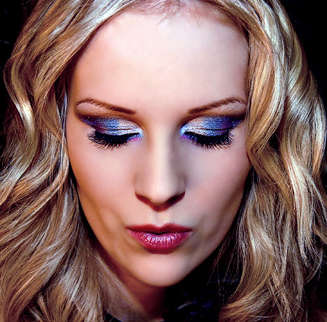 bright eyeshadow designs. Blue eye shadow design makeup
