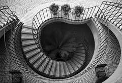 Going Down - by Thomas Hawk