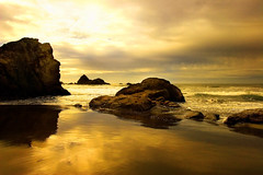 Vista: Lost Sensations (| HD |) Tags: ocean desktop windows sunset sea wallpaper seascape 20d nature silhouette yellow oregon canon landscape lost gold golden coast photoshoot pacific quality collection microsoft vista hd sensations darwish hamad efs 1022mm nothwest