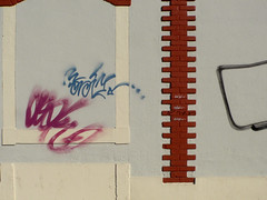 parede com tags (*L) Tags: streetart lisboa tag janela parede ud tijolo emparedada umadestas av24dejulho cega
