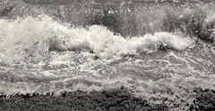 Ondas do mar de Vigo (Dan ()) Tags: blancoynegro blanco beach monocromo spain waves negro playa galicia olas vigo melide cabohome
