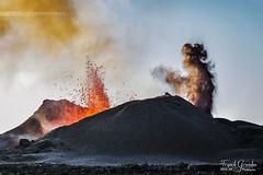 - Le Rouge et le Noir - (Frog 974) Tags: îledelaréunion ngc volcan éruption volcanique volcanisme pitondelafournaise rouge gris piton jacob 11 septembre 2016 patrimoinemondialdelunesco
