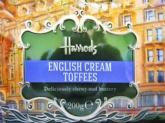 LRM_EXPORT_20170102_140201-01 (cnajhar) Tags: sweeties candy harrods london england