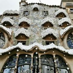 casa batlló, Barcelona (carmencampagnuolo) Tags: barcelona spain barcellona gaudí decorazioni neve spagna bcn barça winter casabatlló