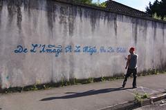DE L'IMAGE À LA MAGIE