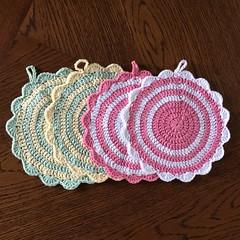Grytekluter med bølgekant juli 2015 (hobbyugla) Tags: crochet crocheting potholders heklet hekling grytekluter junijuli2015