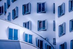 Windows (RobMenting) Tags: eos canon architecture europe düsseldorf architectuur city building nordrheinwestfalen duitsland de