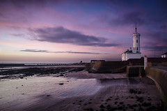 Signal Tower Museum (daedmike) Tags: arbroath angus scotland sunrise beach signaltowermuseum signaltower lighthouse museum sand sea water reflection clouds rocks tide