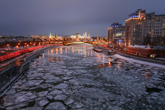 Moscow cityscape (Mistah_Grape) Tags: moscow cityscape city urban dusk kremlin river ice russia nikon d7100 bridge architecture february winter sky embankment москва