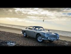 Aston Martin DB5 1/18 Autoart (vapi photographie) Tags: ocean kite car grey james model surf martin bond aston 118 diecast db5 autoart