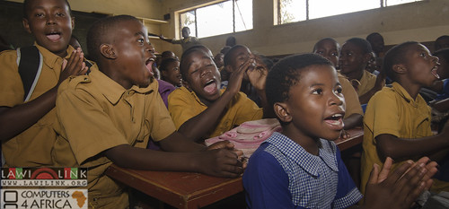 "Chilaweni school Blantye Malawi • <a style=""font-size:0.8em;"" href=""http://www.flickr.com/photos/132148455@N06/18576078691/"" target=""_blank"">View on Flickr</a>"