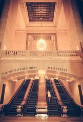 Metlife Building (Martn Marilungo) Tags: newyork architecture stairs us arquitectura unitedstates manhattan indoor midtown estadosunidos metlifebuilding electricstairs grandcenralstation