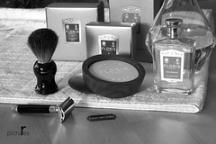 the art of shaving (pictures.r) Tags: london wet 50mm md minolta sony traditional style shaving shave f11 recent floris razor gentlemen a6000