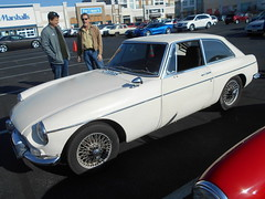 1967 MGB GT (splattergraphics) Tags: 1967 mgb gt mgbgt bgt mg carshow huntvalleyhorsepower huntvalleytownecentre huntvalleymd