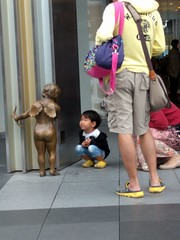 Little boy and Cupid in Taipei (ashabot) Tags: taipei taiwan streetscenes street citystreets cities