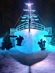 LA FÊTE DES NEIGES - (THE SNOW FESTIVAL) (BLEUnord) Tags: bateau boat ship pirate hiver winter glace ancre anchor fête neiges fêtedesneiges parc park jeandrapeau ice cube