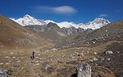 PC030903 (ernsttromp) Tags: nepal olympus pen epl3 panasonic lumix 14mmf25 microfourthirds mirrorless m43 mft gokyo valley chooyu hiking mountain gyachungkang mountainscape trekking trek himalayas solukhumbu 16x10 2012 clouds