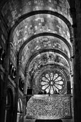 Sé de Lisboa (dbrugman) Tags: fujifilm xt1 lisboa lisbon portugal city cathedral church architecture bw arches carpet patterns