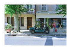 "(""Que la bête meure"") Tags: film analog streetphotography manualfocus nikonf3hp kodak400 fixedfocal nikkor50mm14ai focalefixe"
