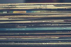3/52 macro (Rosa Belarte) Tags: macro vinilo still life discos records música banda sonora recuerdos retro