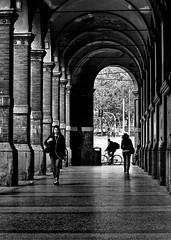 [ Bologna di portici, raggi e spiragli - Arcades, spokes and glimmers in Bologna ] DSC_0930.6.jinkoll (jinkoll) Tags: street people girl bike bicycle arcade arch architecture shadow bw bnw blackandwhite walk walking vanishingpoint perspective gals girls reflections