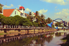 Sungai Ciliwung (Aldiyansyah) Tags: old city vintage river landscape cityscape retro batavia tempo dulu kota tua sungai jadul