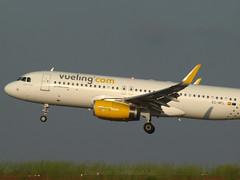 EC-MFL (Menorca LEMH-MAH) (TheWaldo64) Tags: airbus mah menorca a320 vueling a320232 lemh ecmfl
